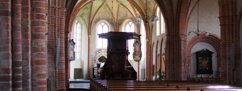 Interieur kerk Stedum